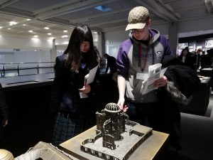 広島平和資料館で英語ガイド