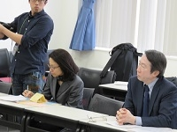 NET-GTASの集いで司会する池田昭幹事(右)