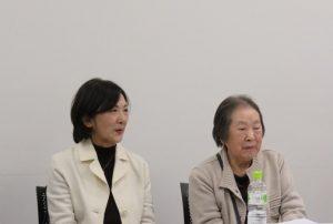 3.21市民・学生の集いで、濱恭子さん(右)と鳥羽洋子さん