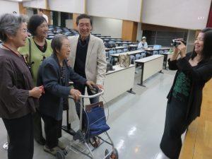 上映会には被爆者の上田紘治さんや濱恭子さん、花垣ルミさんの姿も