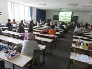 「継承を考える集い」でNET-GTASの活動報告に聞き入る参加者たち